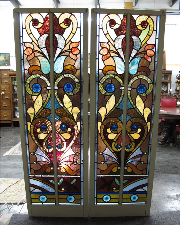 Antique flat top stained glass windows for Best glass for windows